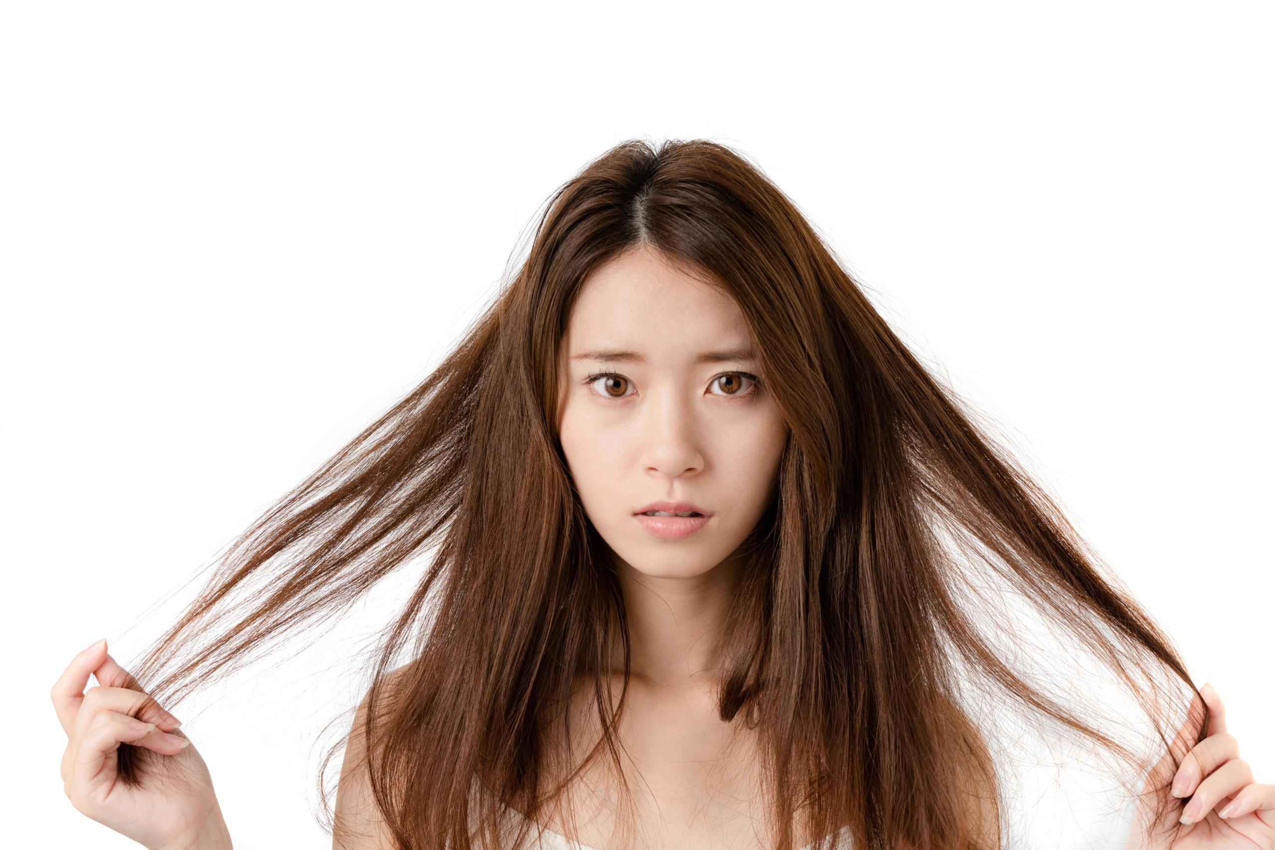 六本木の縮毛矯正専門店でボサ髪を艶髪に